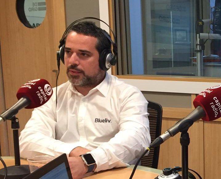 Daniel Solís, fundador de Blueliv, en un momento de la entrevista en Capital Radio - Bit Life Media - ciberinteligencia ciberseguridad