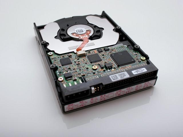 teletrabajo datos accidentes problemas perdida datos recuperacion trabajo remoto ciberseguridad formateo borrado informacion disco duro movil tecnologia bit life media